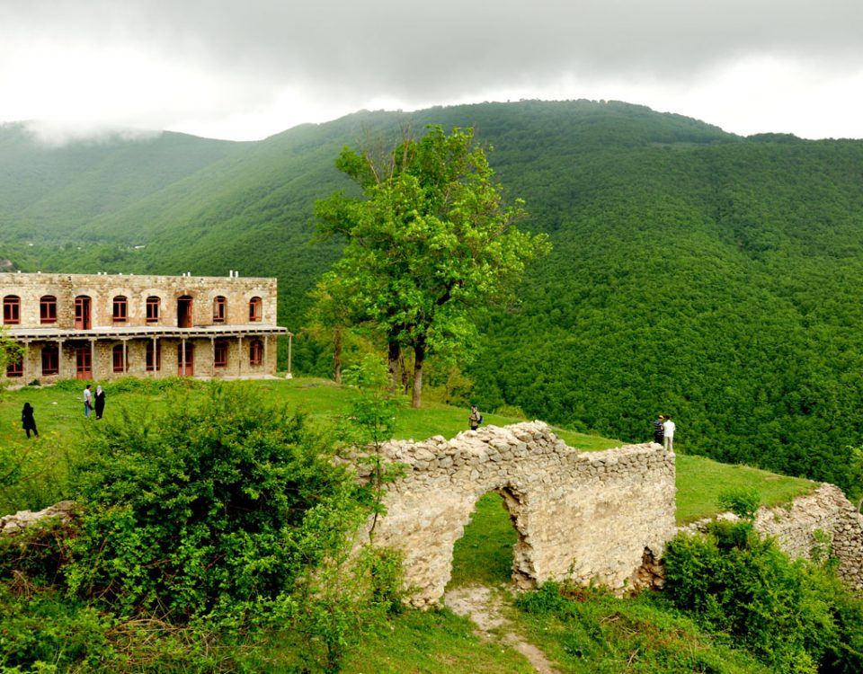 http://ulduztourism.az/azerbaijan/azerbaijan-attractions/natural-attractions/kish-village