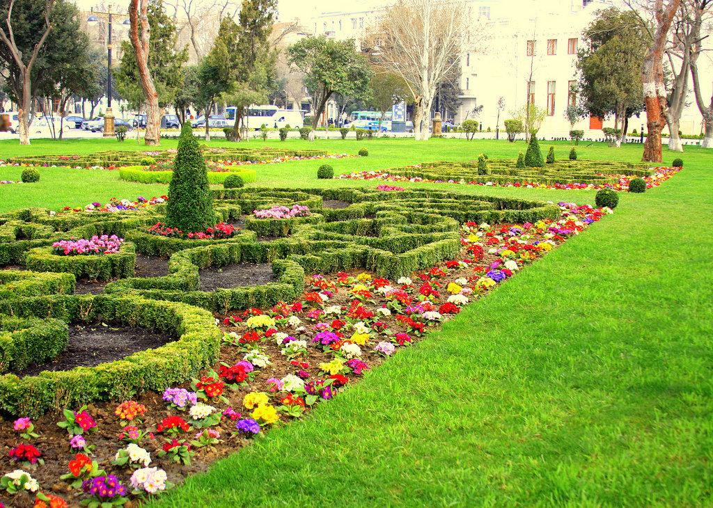 الحدائق فی باکو