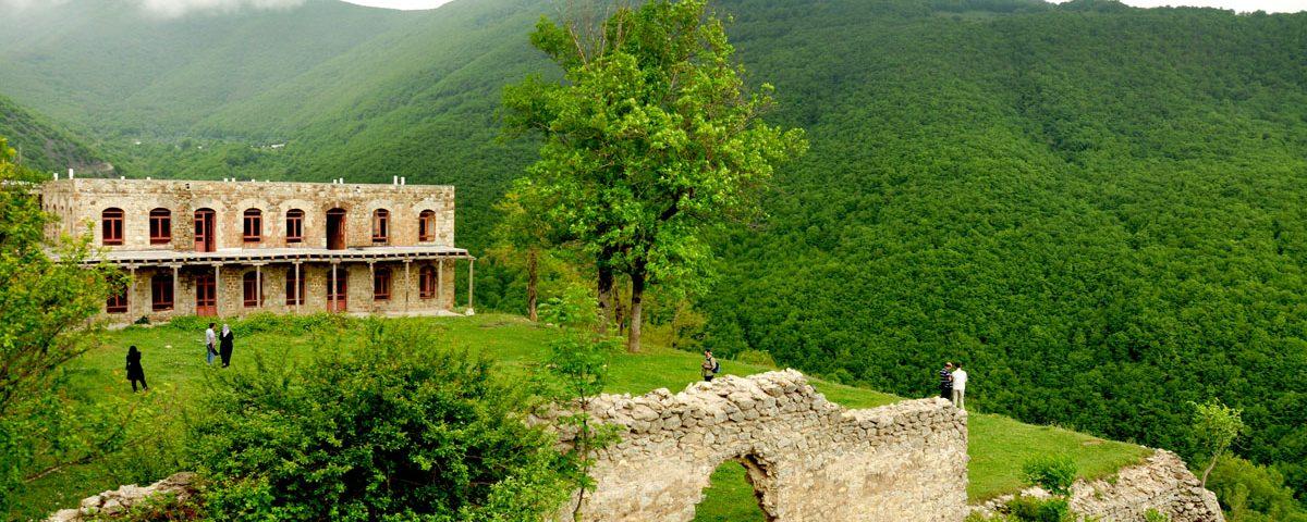 https://ulduztourism.az/azerbaijan/azerbaijan-attractions/natural-attractions/kish-village