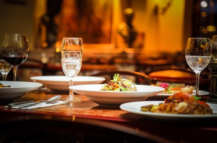 المطاعم و الاطعمه فی باکو