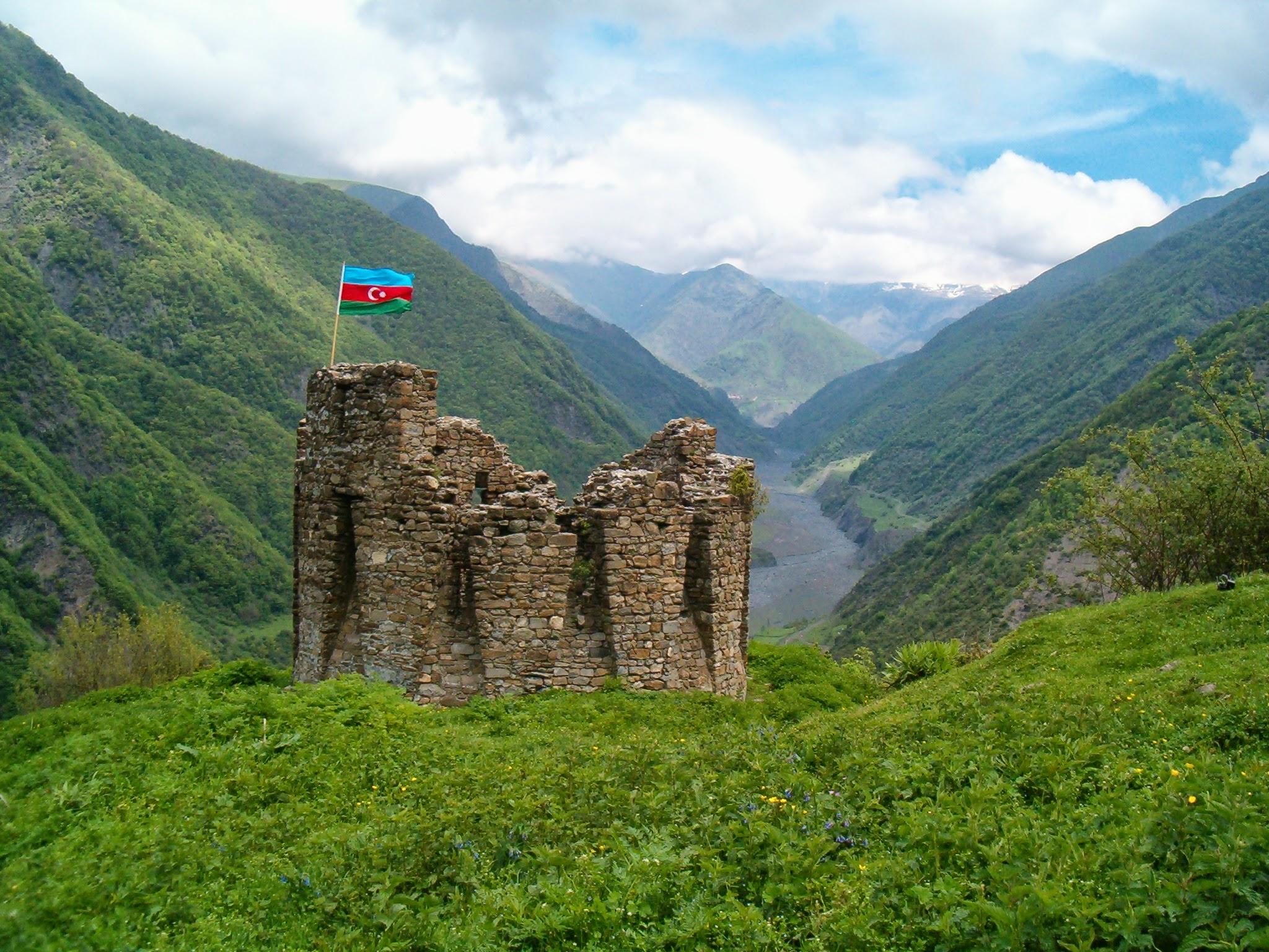 مناطق الجذب السياحية الجميلة في أذربيجان